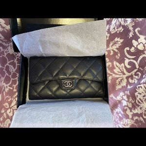 Chanel Auth black caviar timeless classic wallet